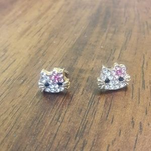 Jewelry - Hello kitty stud earrings